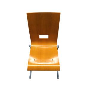 Chaise de restauration empilable – bois vernis – Occasion